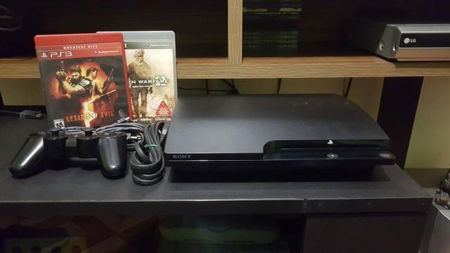 Playstation 3 slim ótimo estado 2 jogos 01 controle