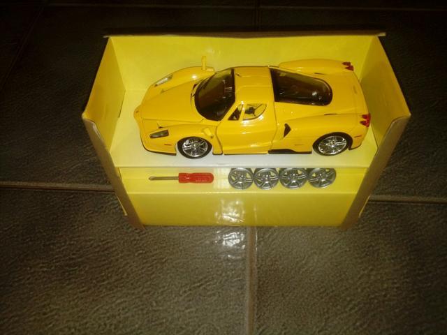 Miniatura de camaro(amarelo)