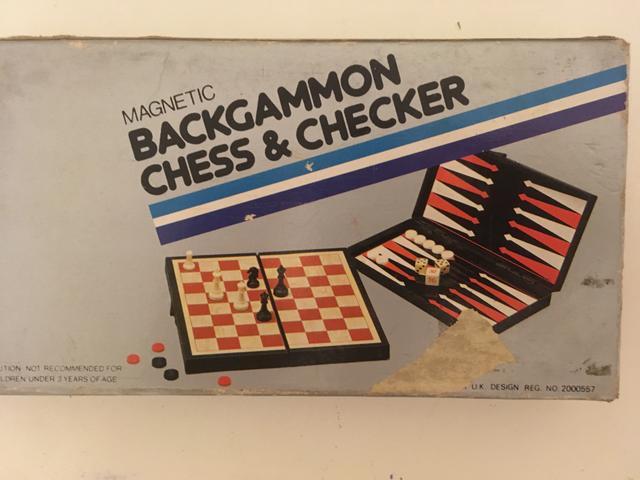 Xadrez e jogo da velha portátil