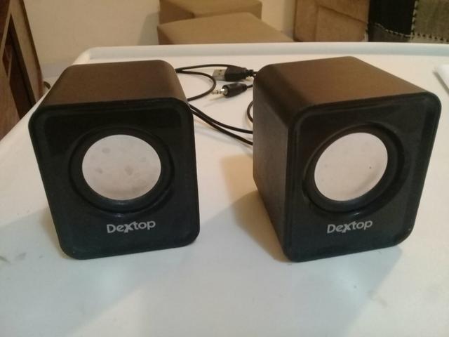 Caixinhas de som com cabo USB por