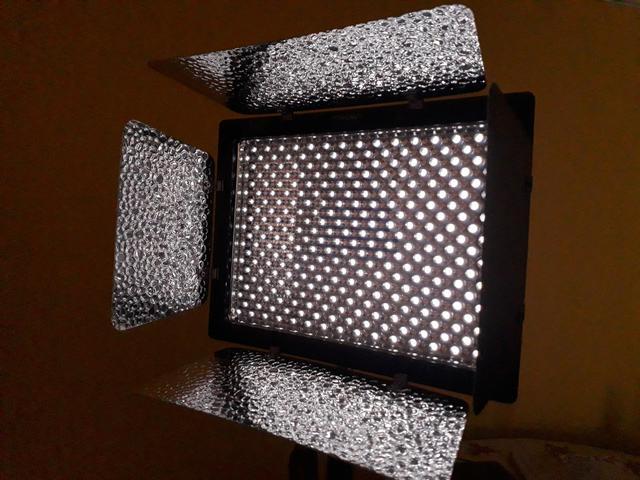 Kit Iluminação Led com baterias e acessórios