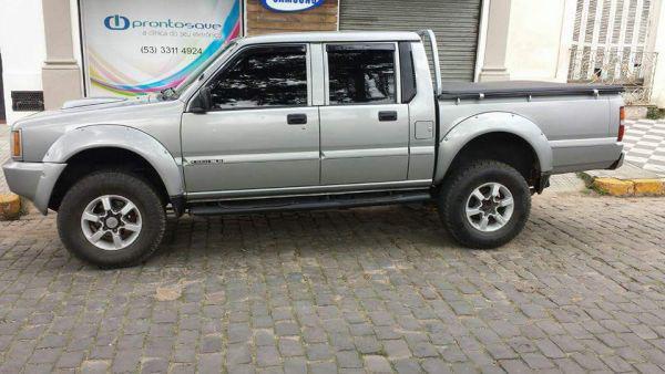 Vendo caminhonete L200 GLS turbo diesel completa ano 2002