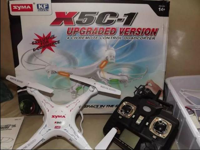 Drone Syma X5C Novo c/ 3 Baterias