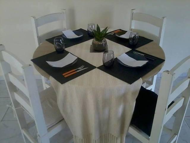 Mesa madeira branca 4 cadeiras