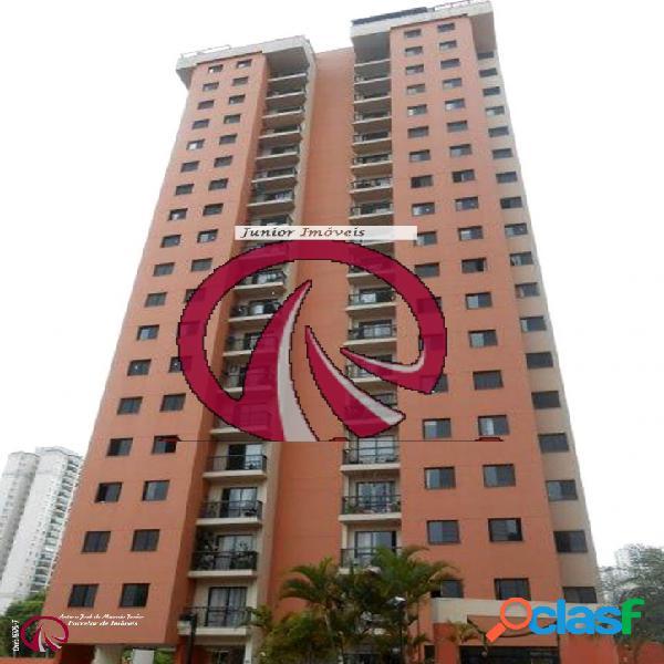 Apartamento de 03 dormitórios no Morumbi