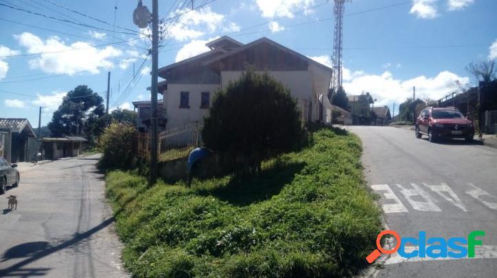 B. Serra Azul - Casa 03 dormitórios (sendo 01 Suíte).