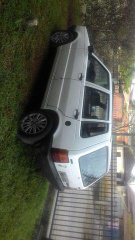 Fiat uno ano 2000 1.0 4 portas branco.