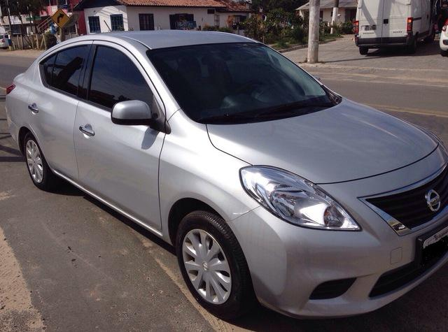 Vende Se Nissan Versa 2014 Em Florianópolis.