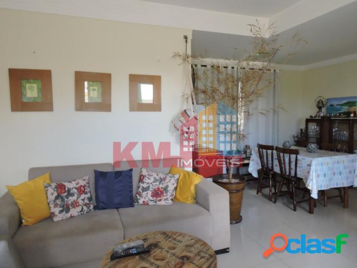 Vende-se casa Duplex no Condomínio Veronique