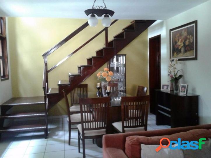 Vende-se casa duplex em condominio fechado enfrente a UERN