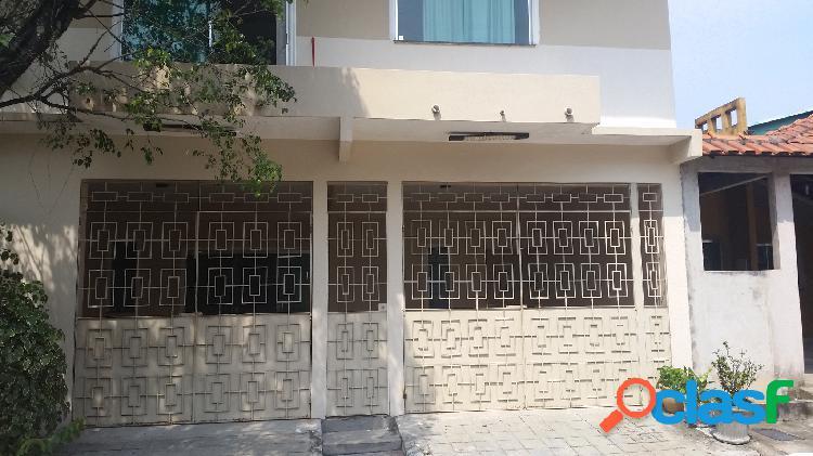 Vende-se casa em condomínio fechado no Santo Agostinho com