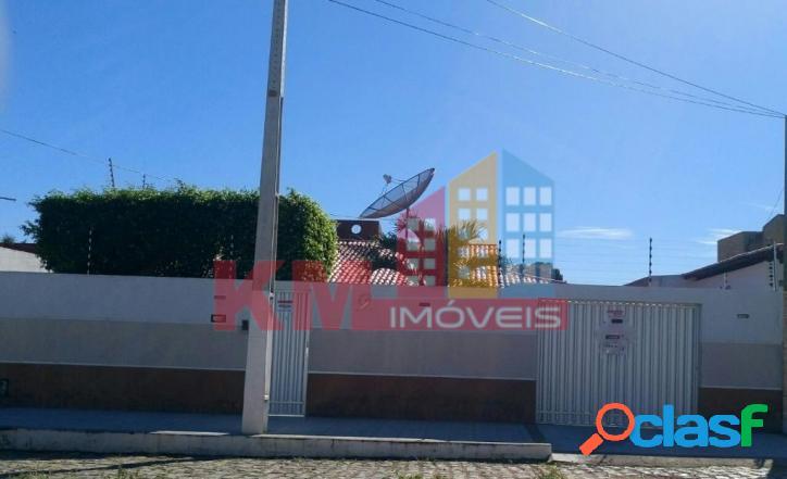 Vende-se casa no bairro Alto São Manoel