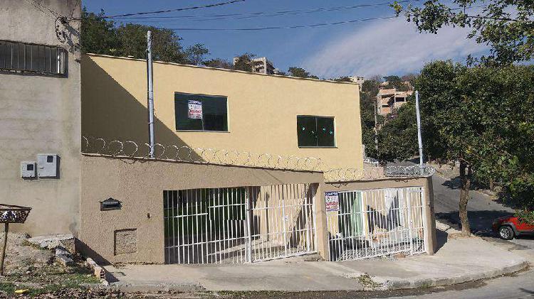 Casa, Jardim Vitória, 3 Quartos, 3 Vagas, 1 Suíte
