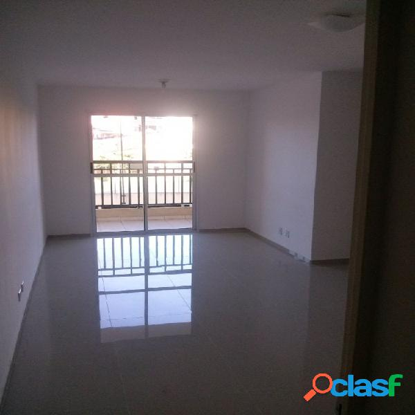 Apartamento 3 Dormitórios 67 m² com sacada - Apartamento a