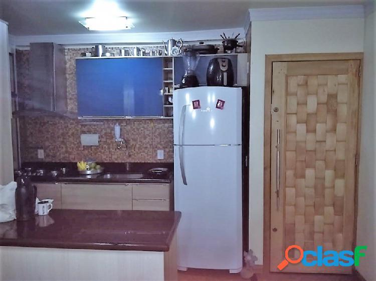 Apartamento 3 Dormitórios 67m² com suíte - Apartamento a