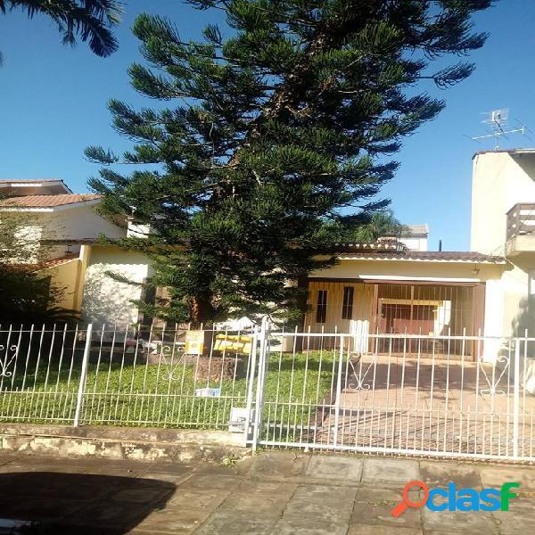 CASA 03 DORMITÓRIOS C/ SUÍTE - Casa a Venda no bairro Alto