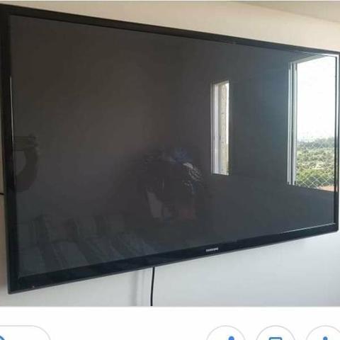 """TV 43"""" Plasma ED Samsung com Função Futebol, 600Hz."""