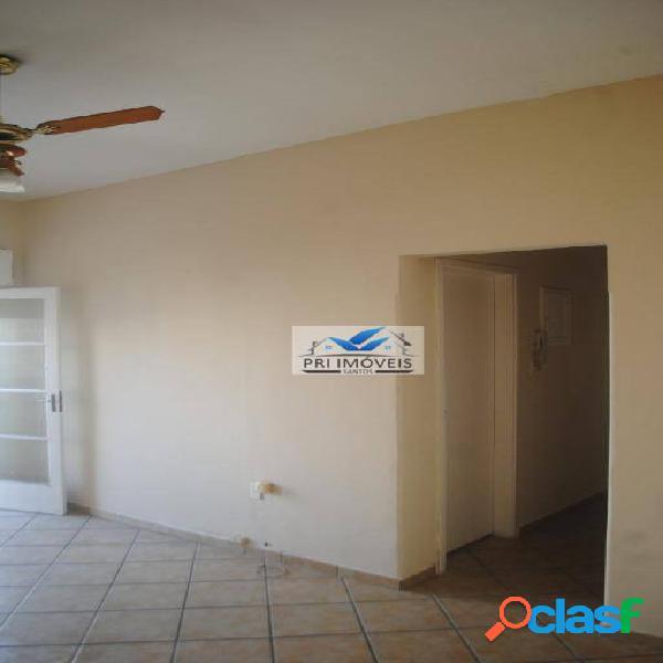Apartamento com 3 dormitórios à venda, 97 m² por R$