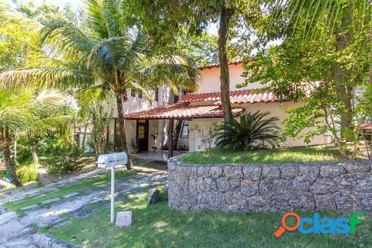 Casa Triplex a Venda no bairro Itaipu - Niterói, RJ - Ref.: