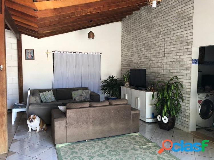 Casa com Salão Comercial - Casa a Venda no bairro Centro -