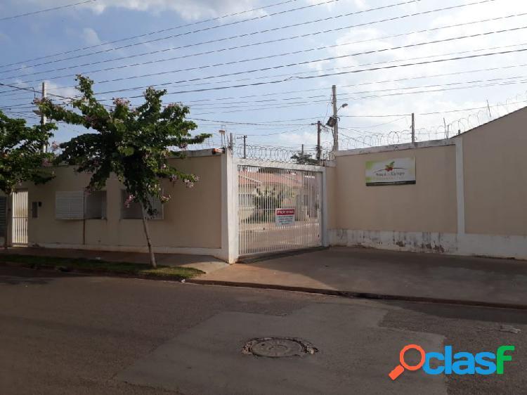 Casa em Condomínio a Venda no bairro Petit Trianon -