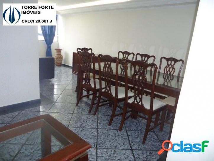 Um lindo apartamento com 3 dormitórios na Vila