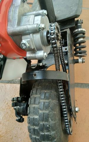 Patinete motorizado com motor 2 tempos 52cc e caixa de