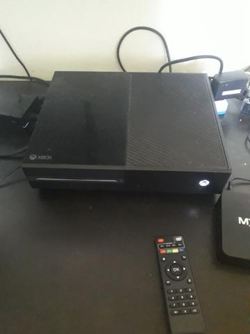 Xbox one com jogos mais um invicta original novo nunca usado