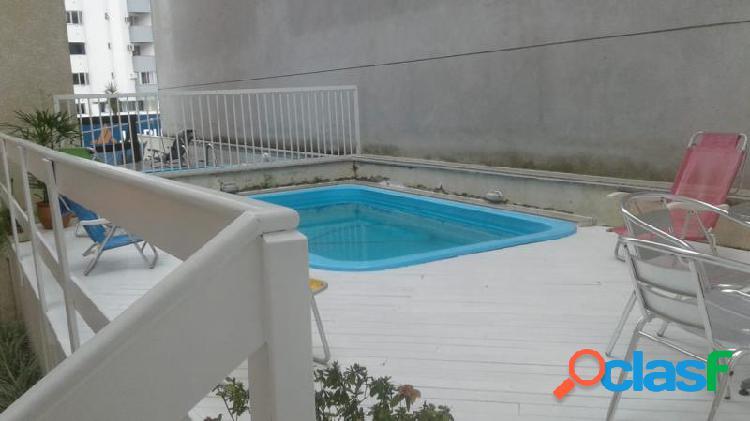 Apartamento com Área Privativa em Balneário Camboriú -