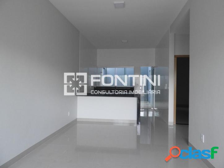 Casa a venda em Palmas, 2/4 (1 suíte), 76m² R$ 200 mil