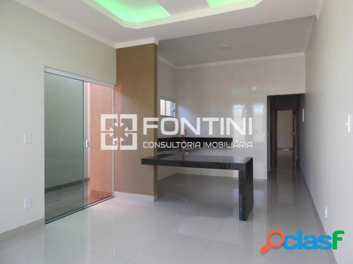 Casa a venda em Palmas, 2/4 com suíte, R$ 185 mil