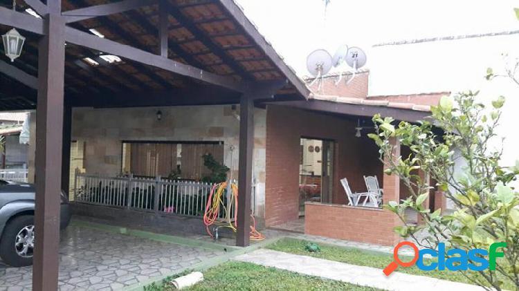 Casa com 4 dorms em Itanhaém - Praia dos Sonhos por 580 mil