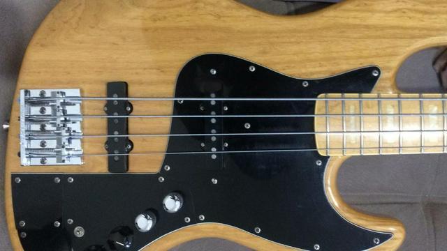 Fender Marcus Miller 4 cordas Jazz Bass