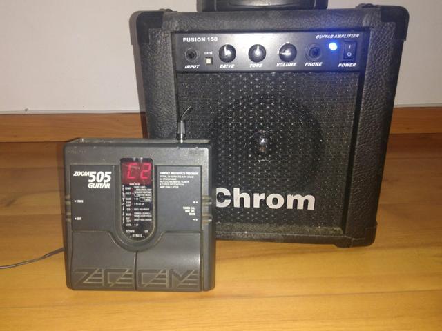Kit pedaleira Zoom 505 + amp Chrom 15W para iniciantes na
