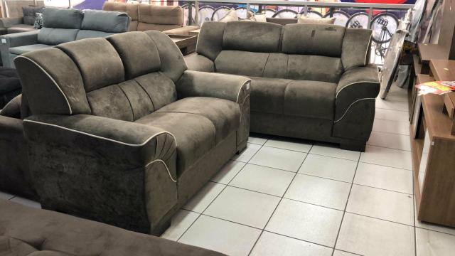 Promoção imperdível jogo de sofá novos