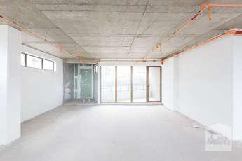 Sala para alugar no bairro Vila da Serra, 500m²