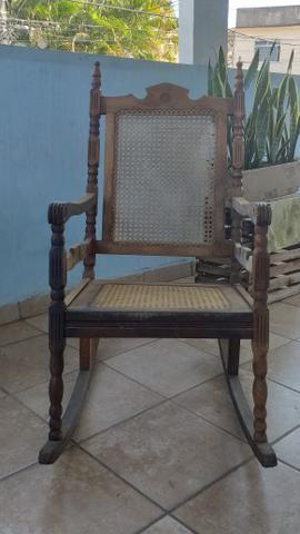 Vendo cadeira de balanço !