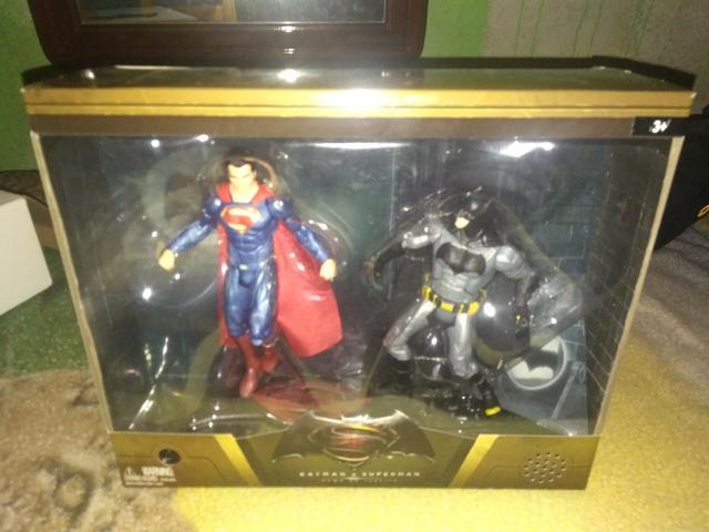 Bonecos Batman vs SuperMan
