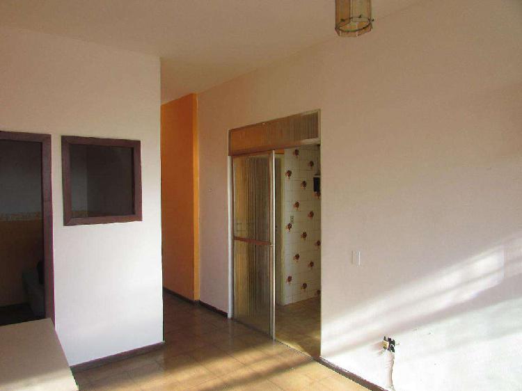 Apartamento, Centro, 2 Quartos, 0 Vaga