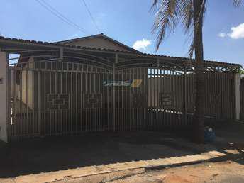 Casa com 3 quartos à venda no bairro Vila Brasília, 150m²