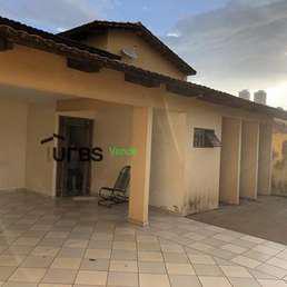Casa com 4 quartos à venda no bairro Jardim América,