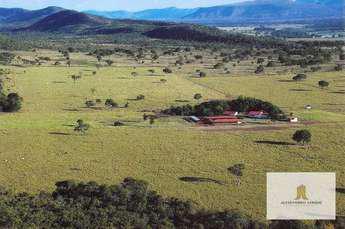 Rural com 2 quartos à venda no bairro Zona Rural, 300m²
