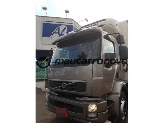 VOLVO VM 270 6X2 2P (DIESEL) (E5) 2012/2012