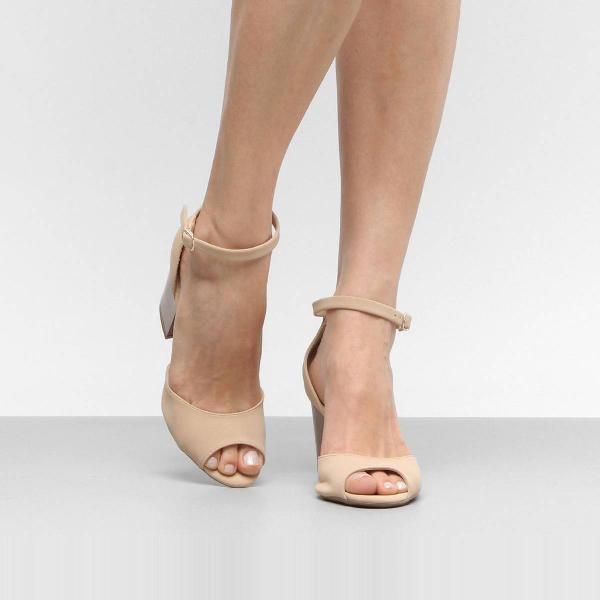 sandália drezzup salto grosso camurça feminina - bege