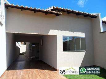 Casa com 3 quartos à venda no bairro Vila Brasília, 130m²