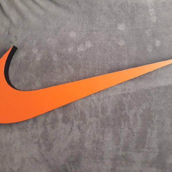 Swoosh da Nike, isso mesmo!!!