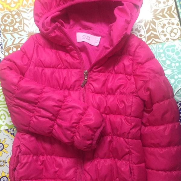 casaco em nylon fofinho, nunca usado, tamanho 3.