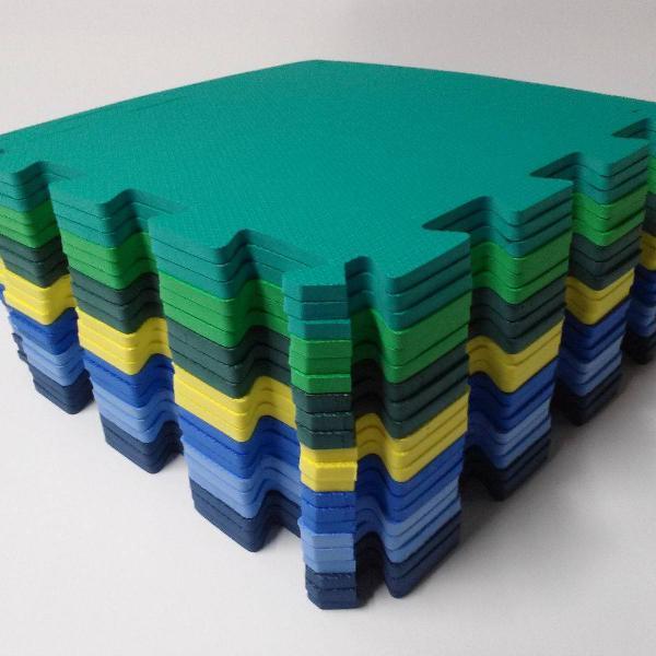 kit c/ 16 tatame eva 50x50x1 cm cores menino