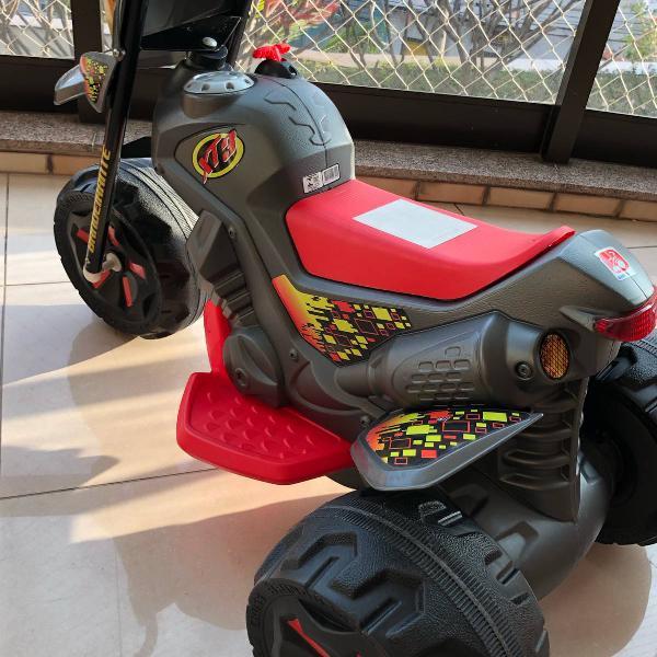 triciclo elétrico bandeirante