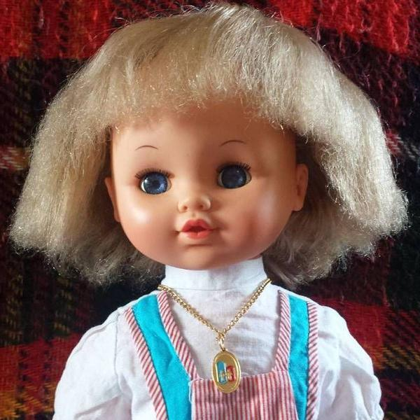 boneca estrela antiga chora anos 70 80